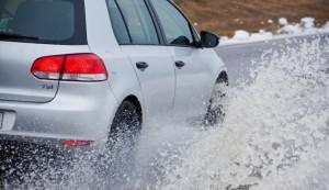 Starker Schneematsch-Aquaplaning-Schutz und niedrigerer Spritverbrauch mit dem grünen Winterreifen Nokian WR G2